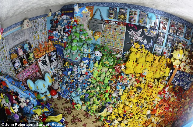 La plus grande collection de poupée Pokemon (plus de 16 000). Source : Daily Mail